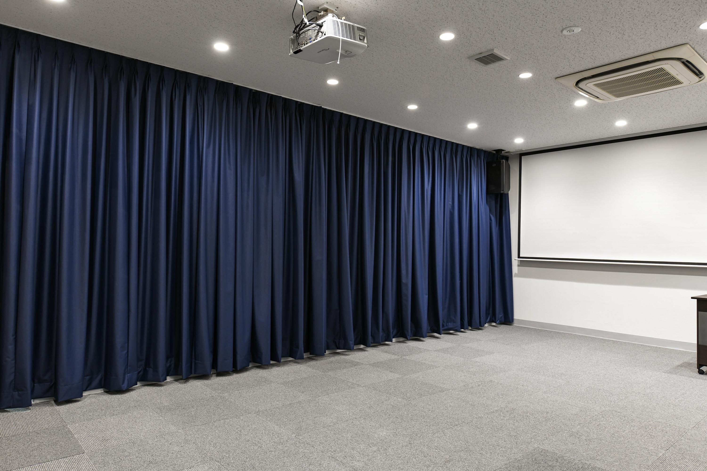 スペース全体写真① - STUDIOLOVOXUMEDA 多目的スペースの室内の写真