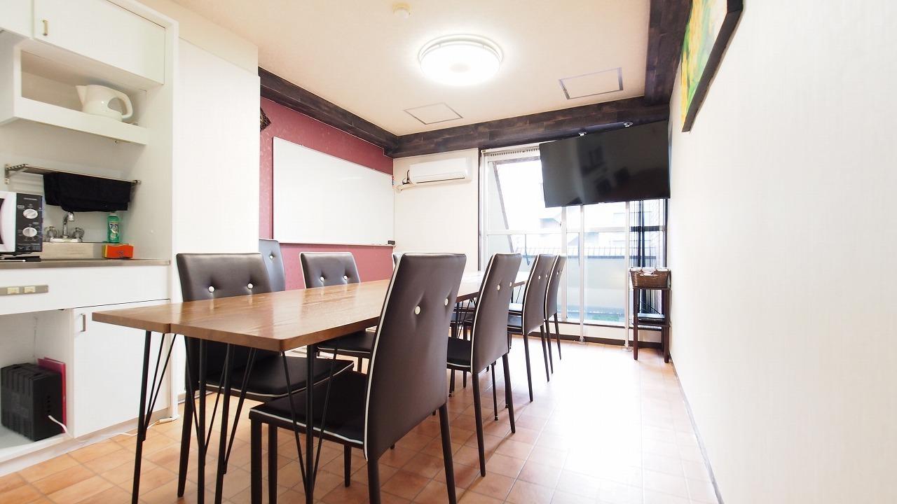 渋谷の貸し会議室 - 貸し会議室【モルディブ】 渋谷少人数利用可レンタルスペースの室内の写真
