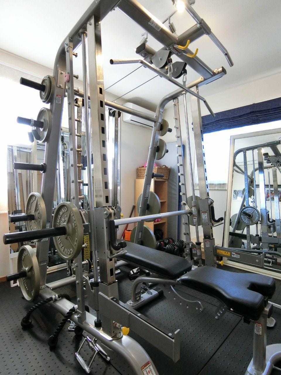 レンタルサロン てっぱく トレーニングジム 完全個室の室内の写真