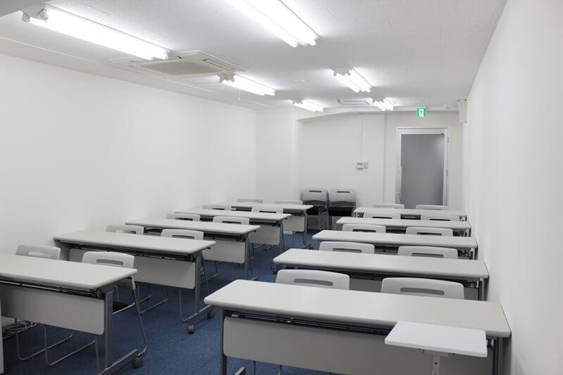 スクール形式 前から - レンタルスペース  パズル浅草橋 セミナールーム・貸し会議室3Cの室内の写真