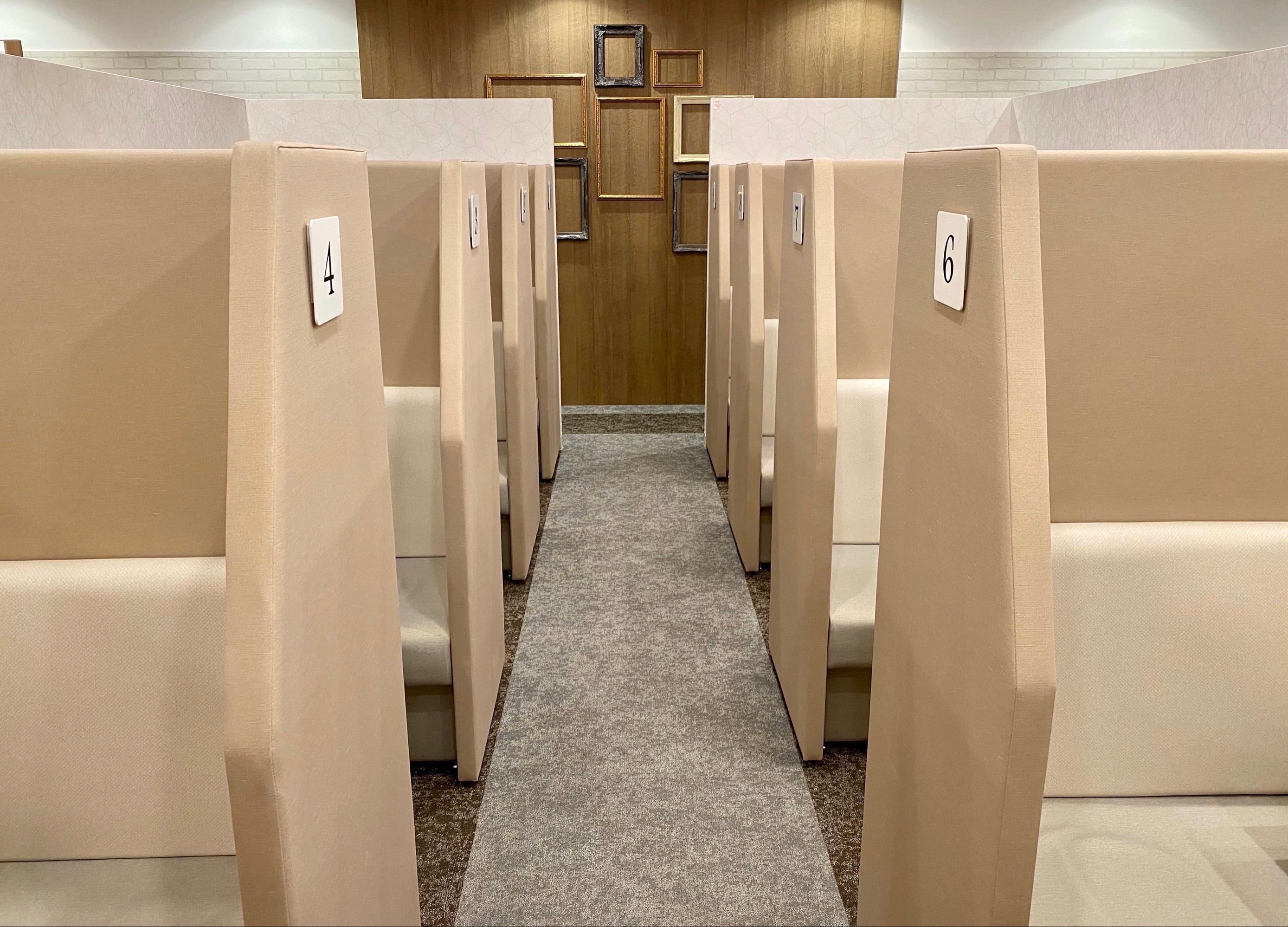 横浜ラウンジ コワーキングスペースの室内の写真