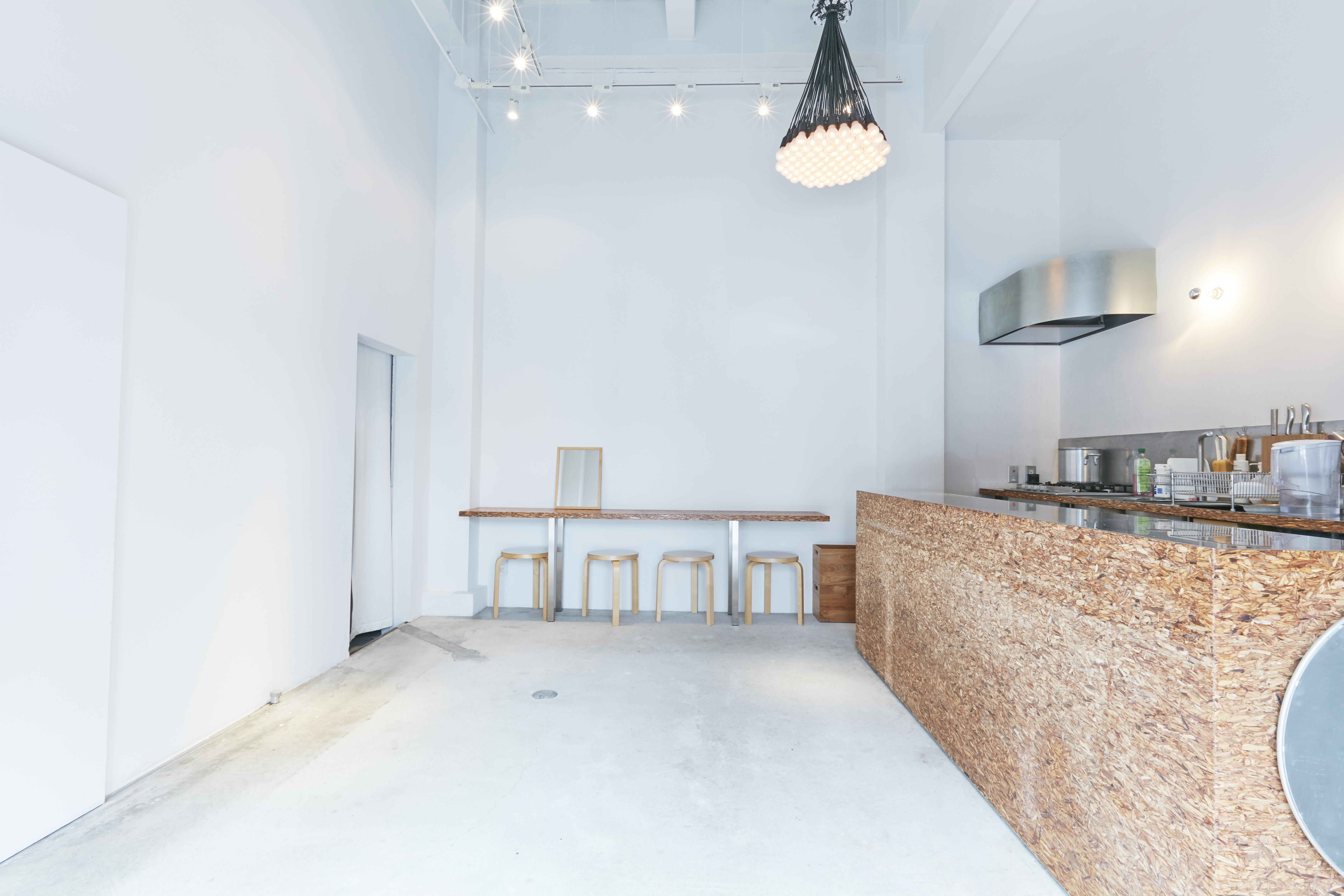 CAFEdeuxpoissons -Rental Space-の室内の写真