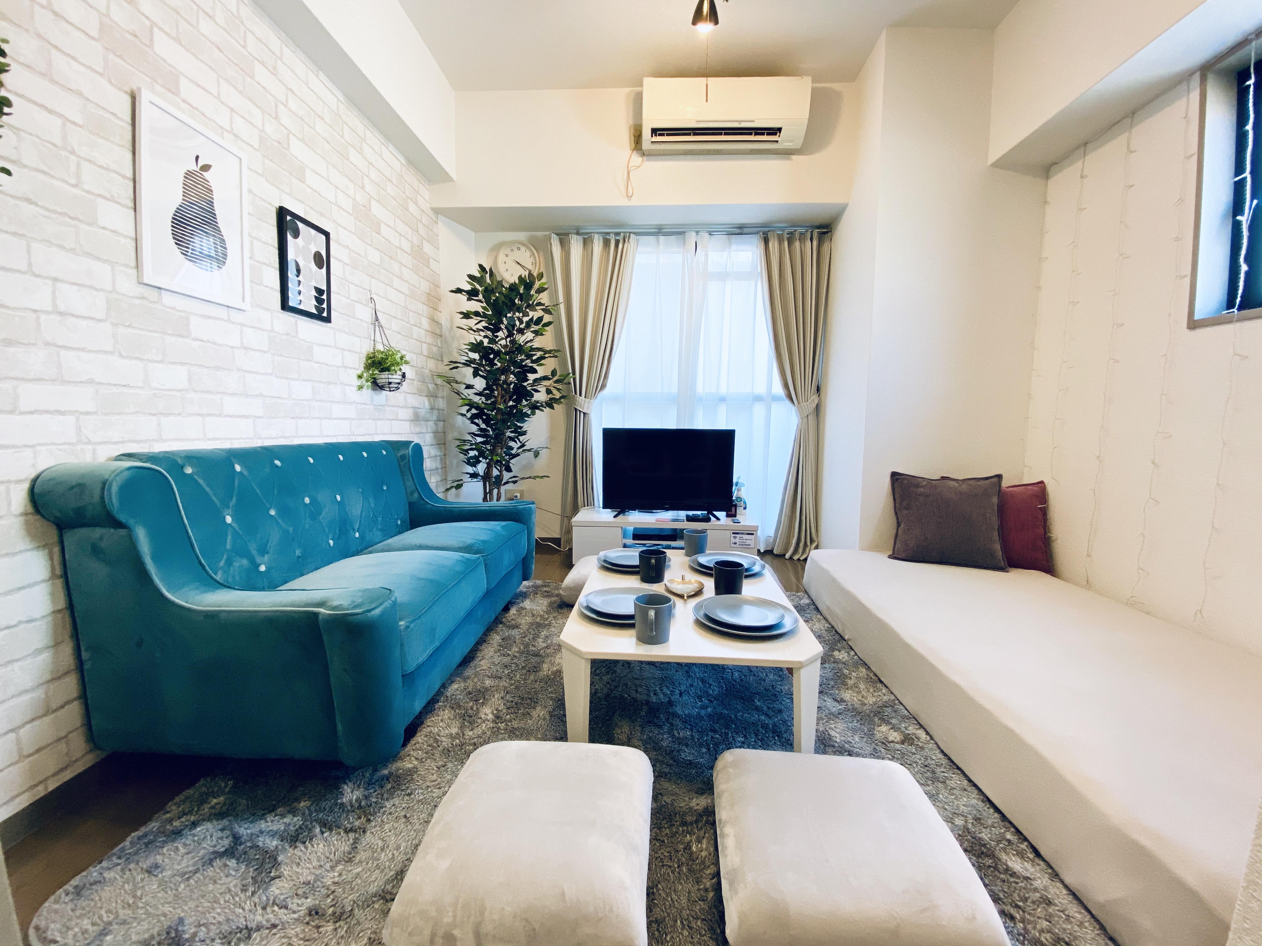 ゴロゴロ まったりくつろげる空間です♩ - 〈SMILE+〉ViVi梅田 レンタルスペース、パーティルームの室内の写真