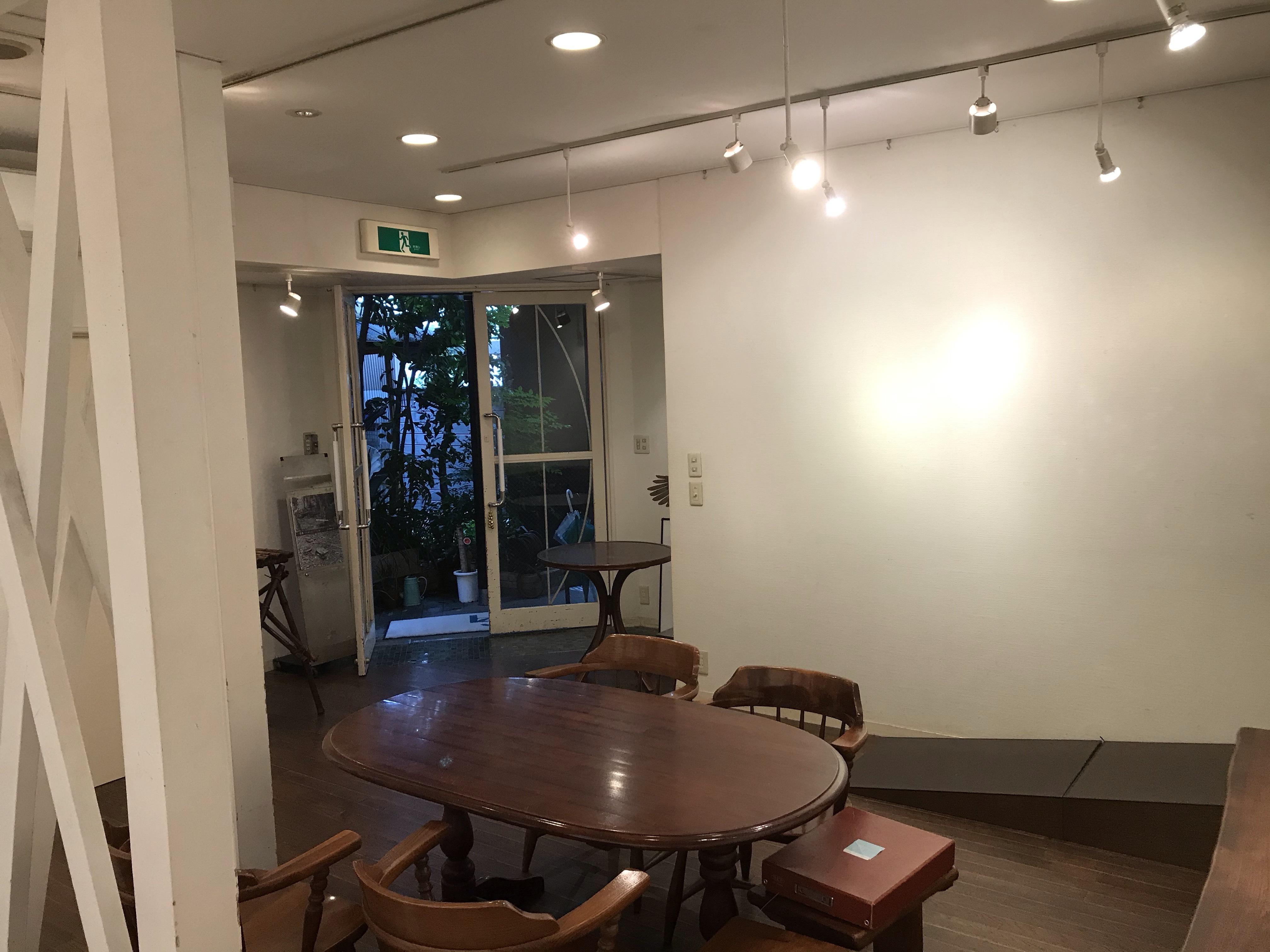 ギャラリーハセガワ 展示会スペースの室内の写真