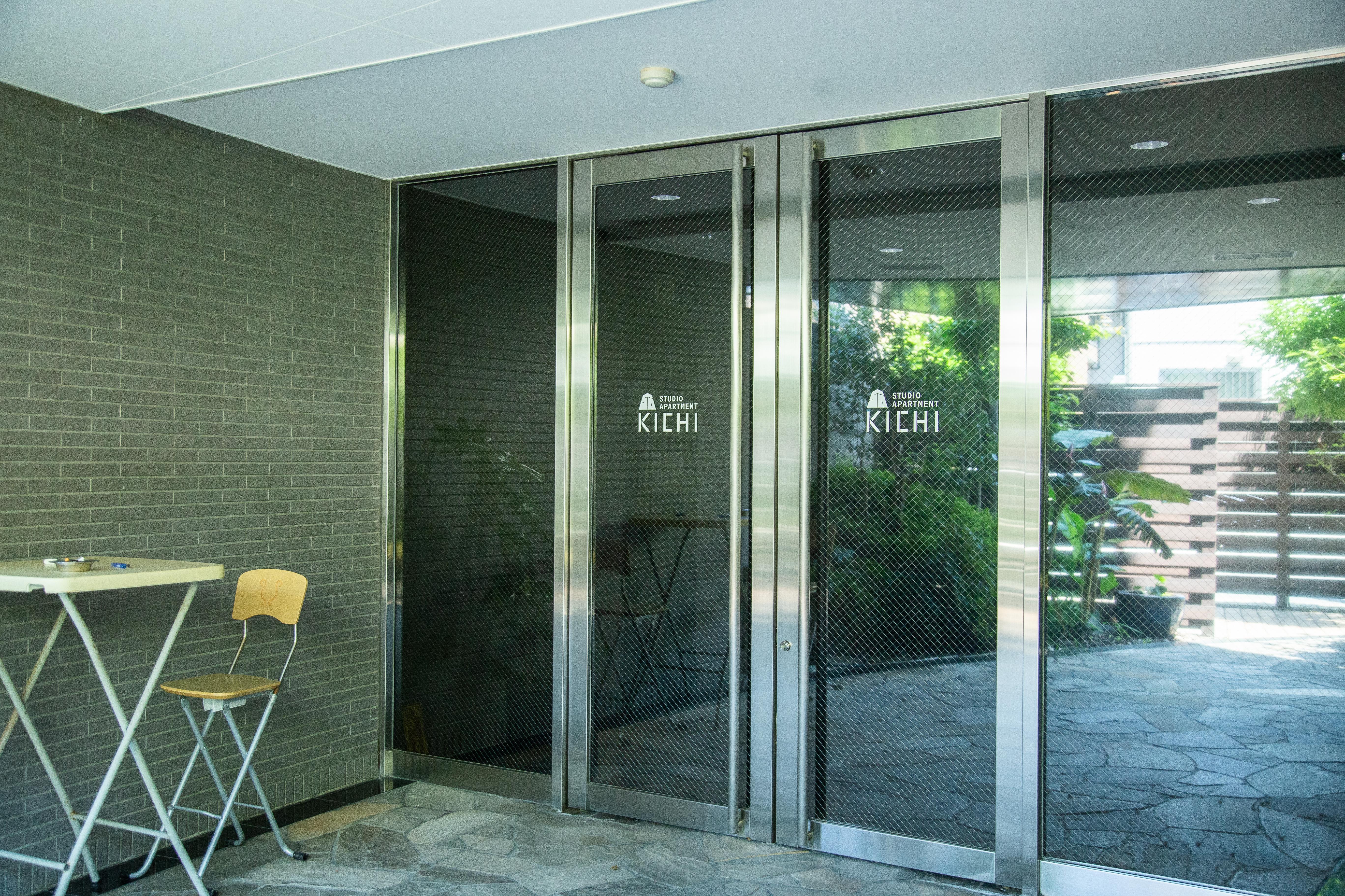 スタジオアパートメントKICHI Booth1の入口の写真
