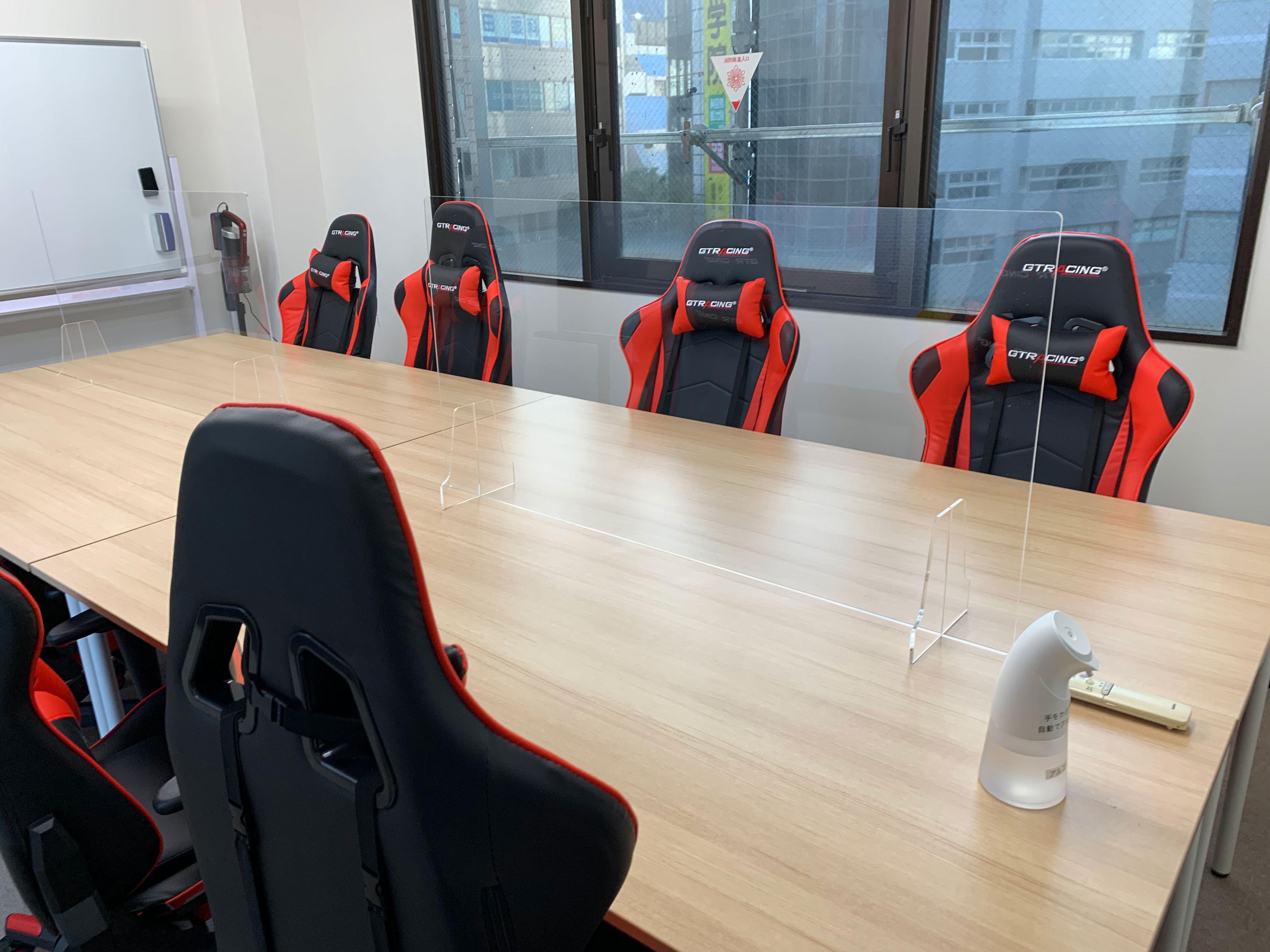 ゲーミングチェア8脚 - GS町田RSビル貸会議室 オープン特価・ゲーミングチェアの室内の写真