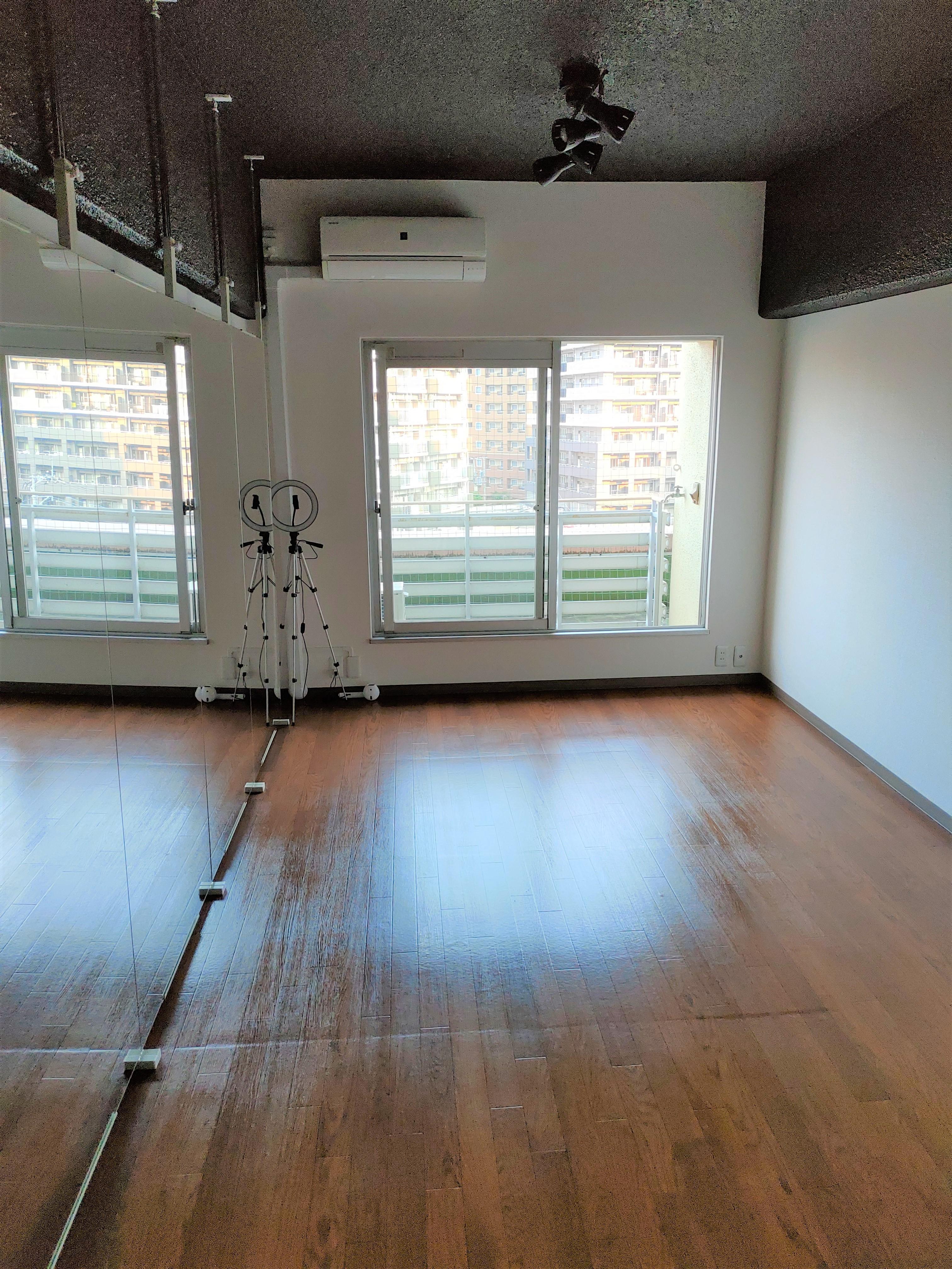 玄関側からの写真です - ひのまるスタジオ天神 大丸前多目的レンタルスタジオの室内の写真