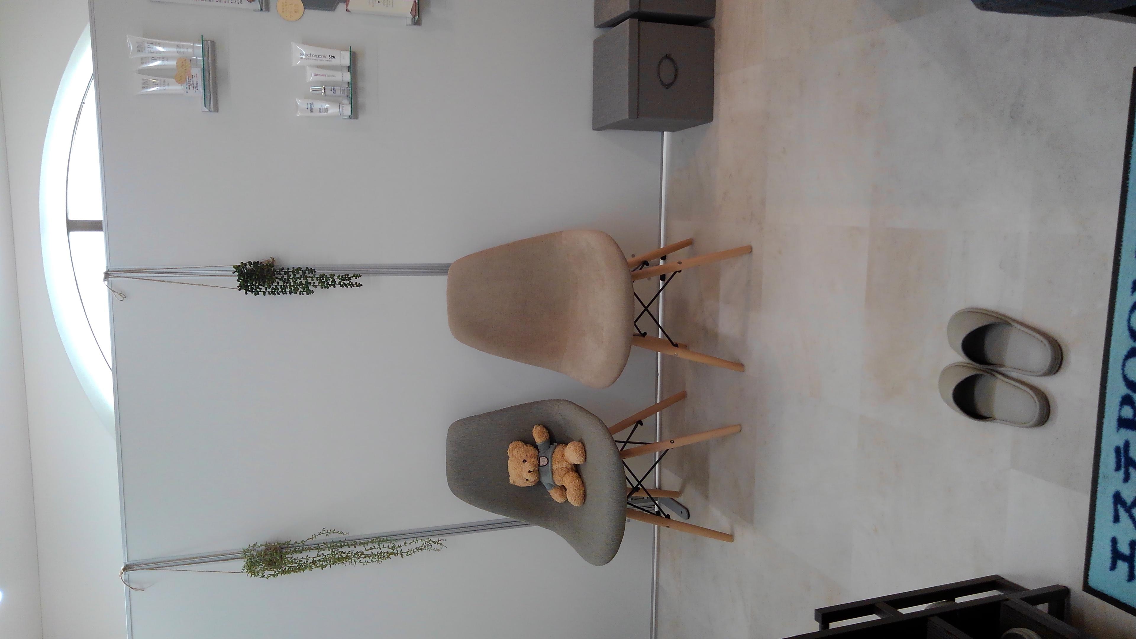 お待ちスペース - リラク&エステ らくーる 3Fネイル・まつ毛ブースの室内の写真
