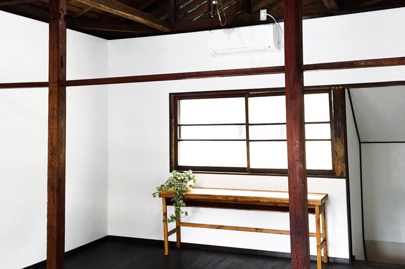 壁は画鋲OKです  - ARAHIRES gallery レンタルスペースの室内の写真