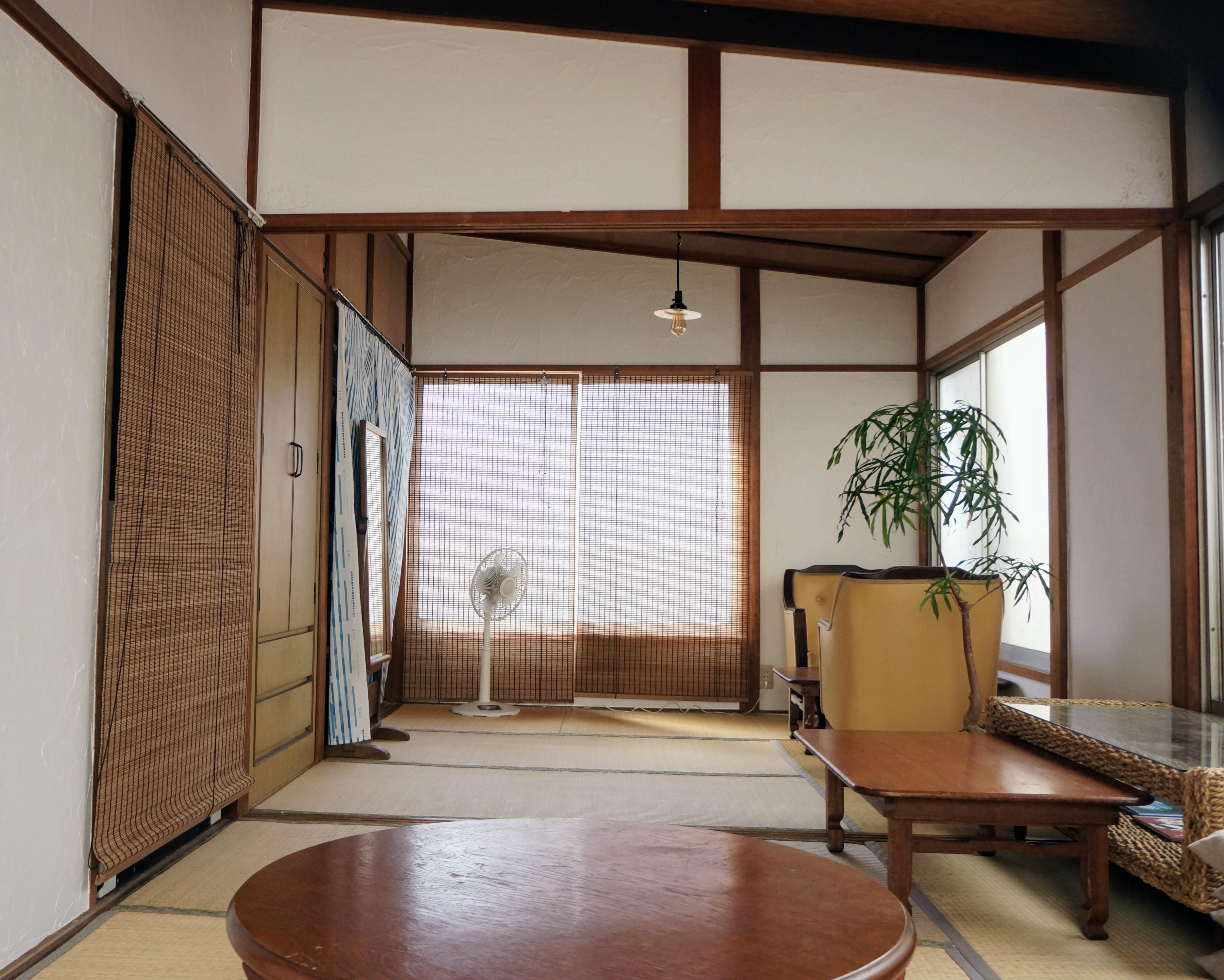 6畳と4畳半の和室がひとつなぎになっています。 - 子育てカフェeatoco 2階和室の室内の写真