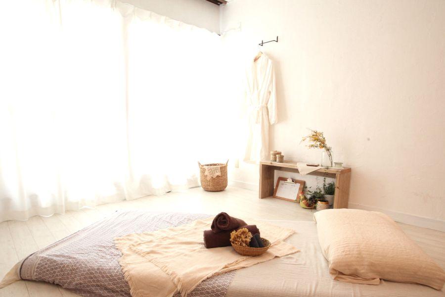 2階、施術スペースです。 - リラクゼーションサロンSuu リラクゼーションサロンsuu の室内の写真