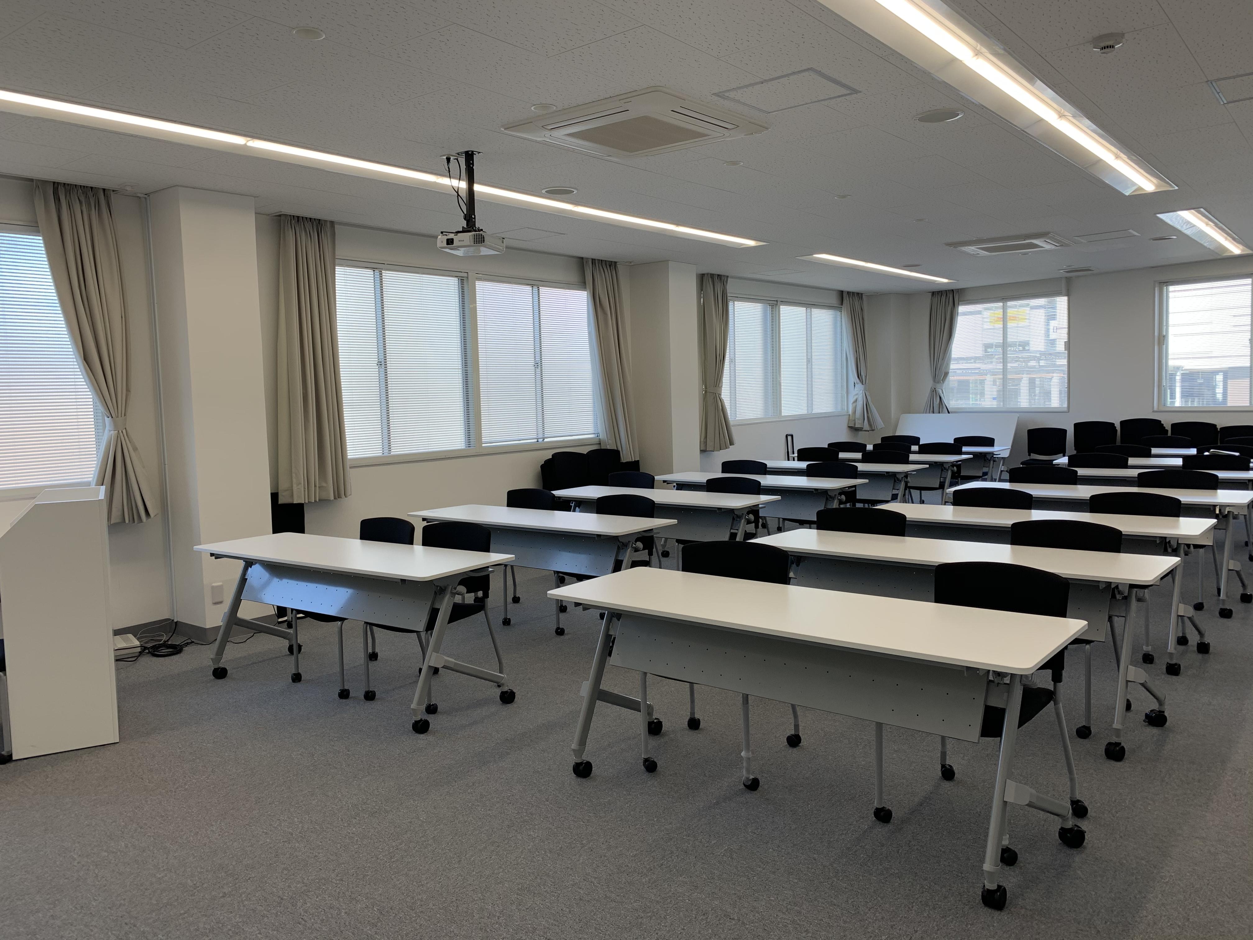 窓も大きく換気もばっちりです - 貸会議室 AI貸会議室の室内の写真