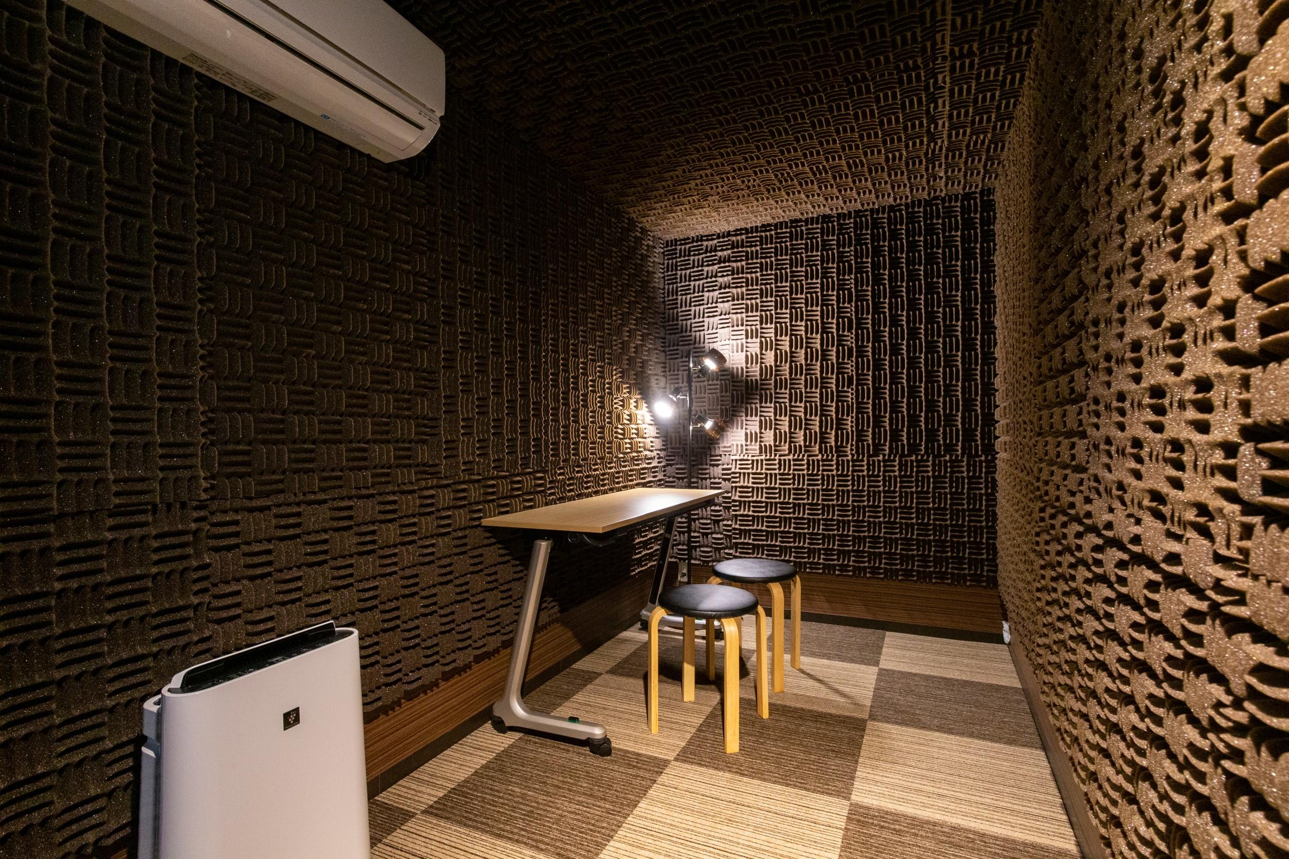 音楽レッスンなどに最適な空間です。 - 天しもスタジオ 【防音室】Bスタジオの室内の写真