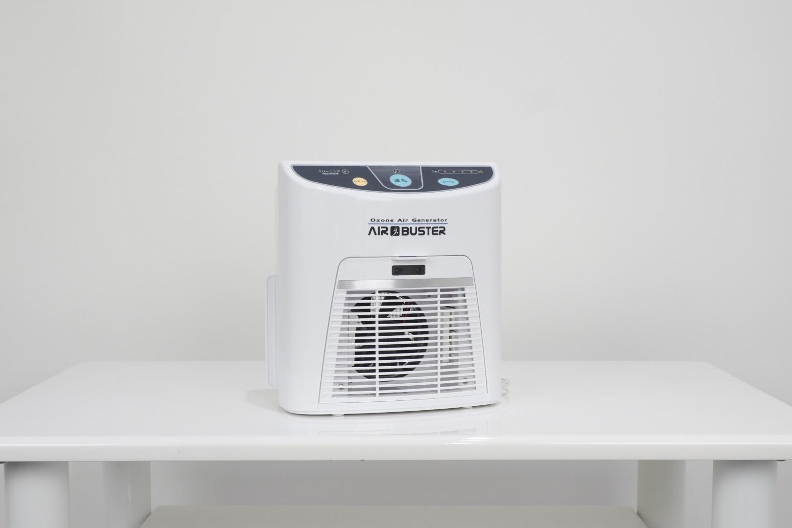 オゾン発生器AIR BUSTERで24時間空気洗浄しています  - 馬車道レンタルサロン 無限大 馬車道/関内レンタルサロン無限大の室内の写真