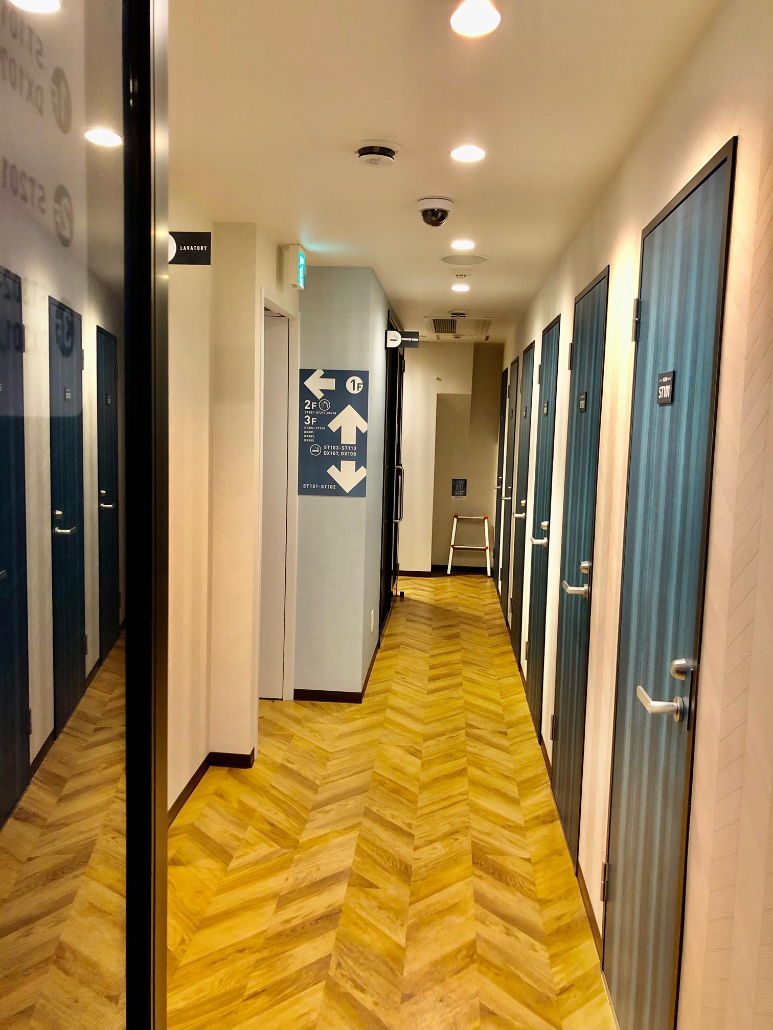道玄坂NETROOM1.st 鍵付完全個室ネットルームの入口の写真