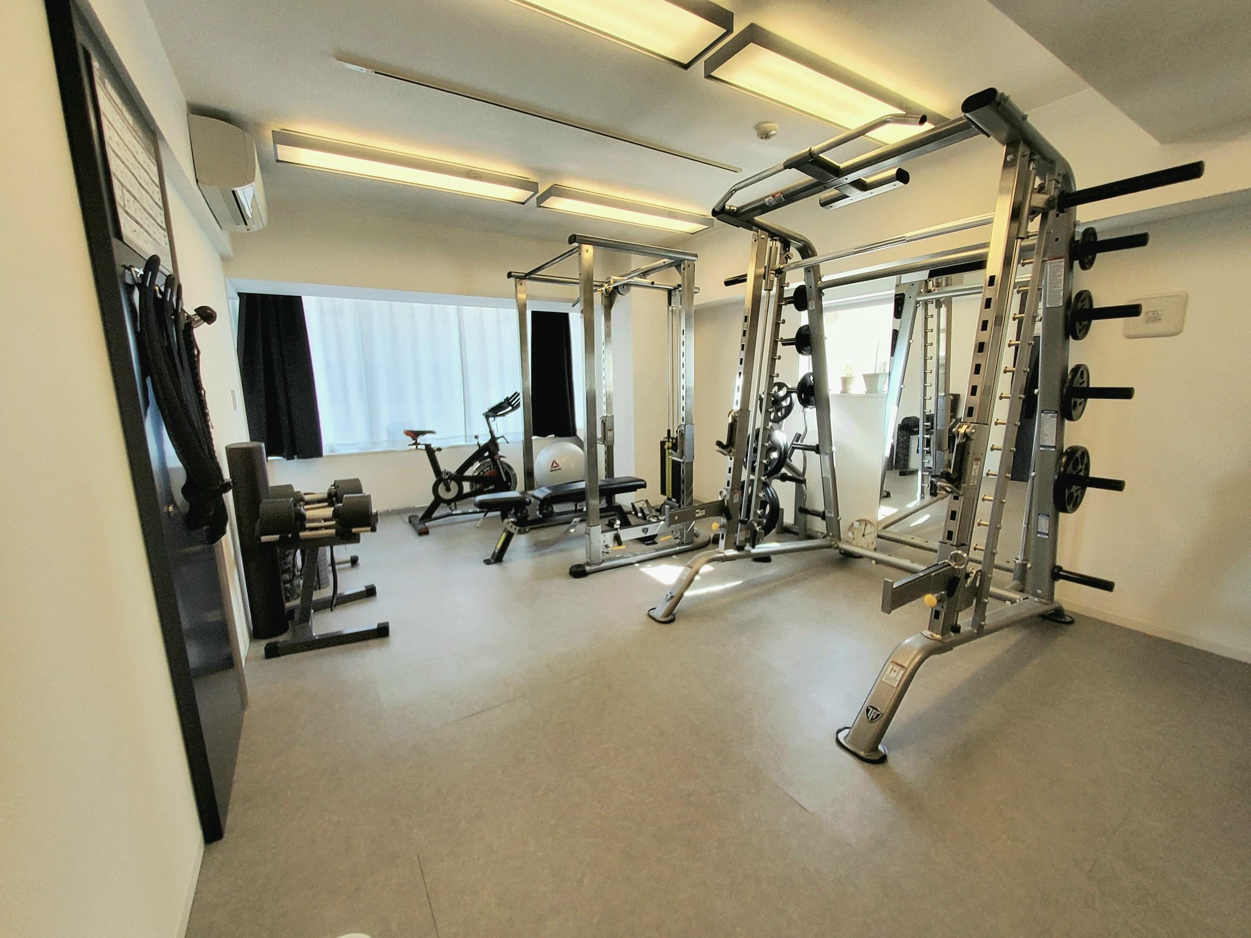 トレーニングルームです! - R_STYLE レンタルジム、プライベートジムの室内の写真