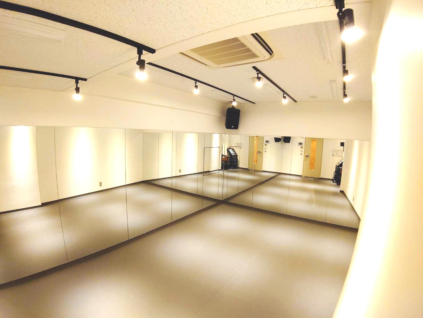 スタジオパックス 新松戸店 【初めての方限定】R7スタジオの室内の写真
