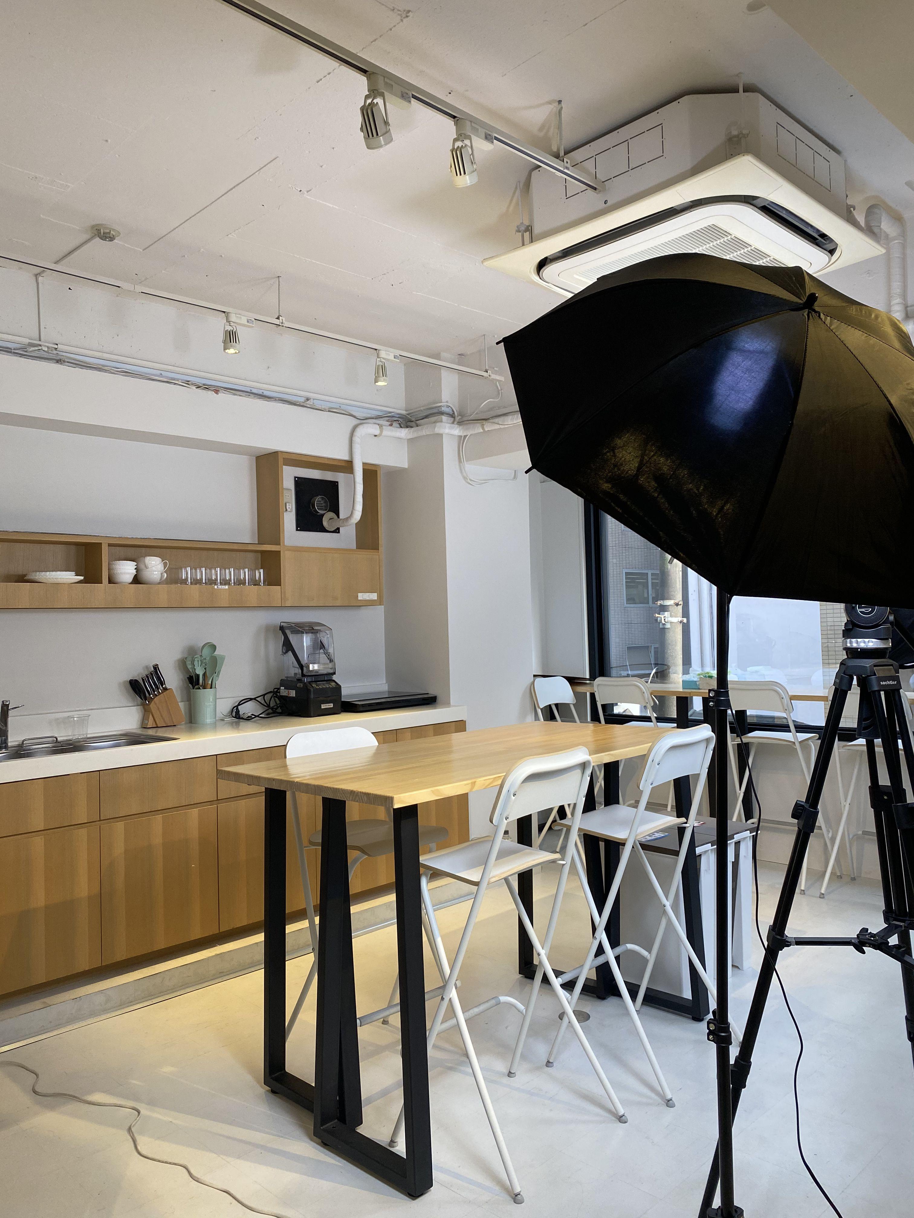 キッチンを使った撮影も本格的に出来ます - KIRKE(キルケ)スタジオ 個人撮影、料理撮影、会議室の室内の写真