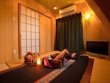 レンタルシェアサロン北新宿 タイ風個室の室内の写真