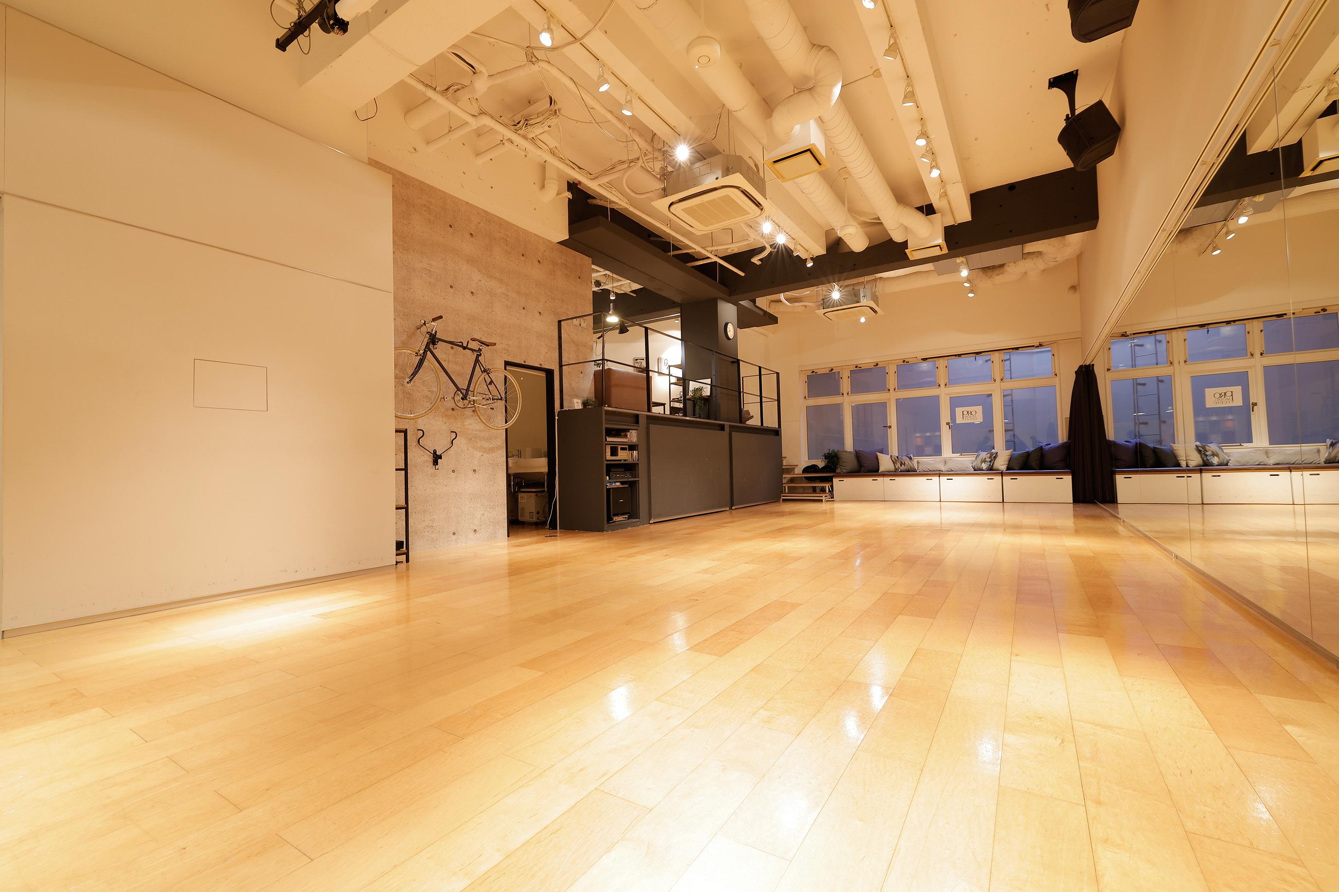 プロモデルスタジオ ♪ レッスン・イベントプランの室内の写真