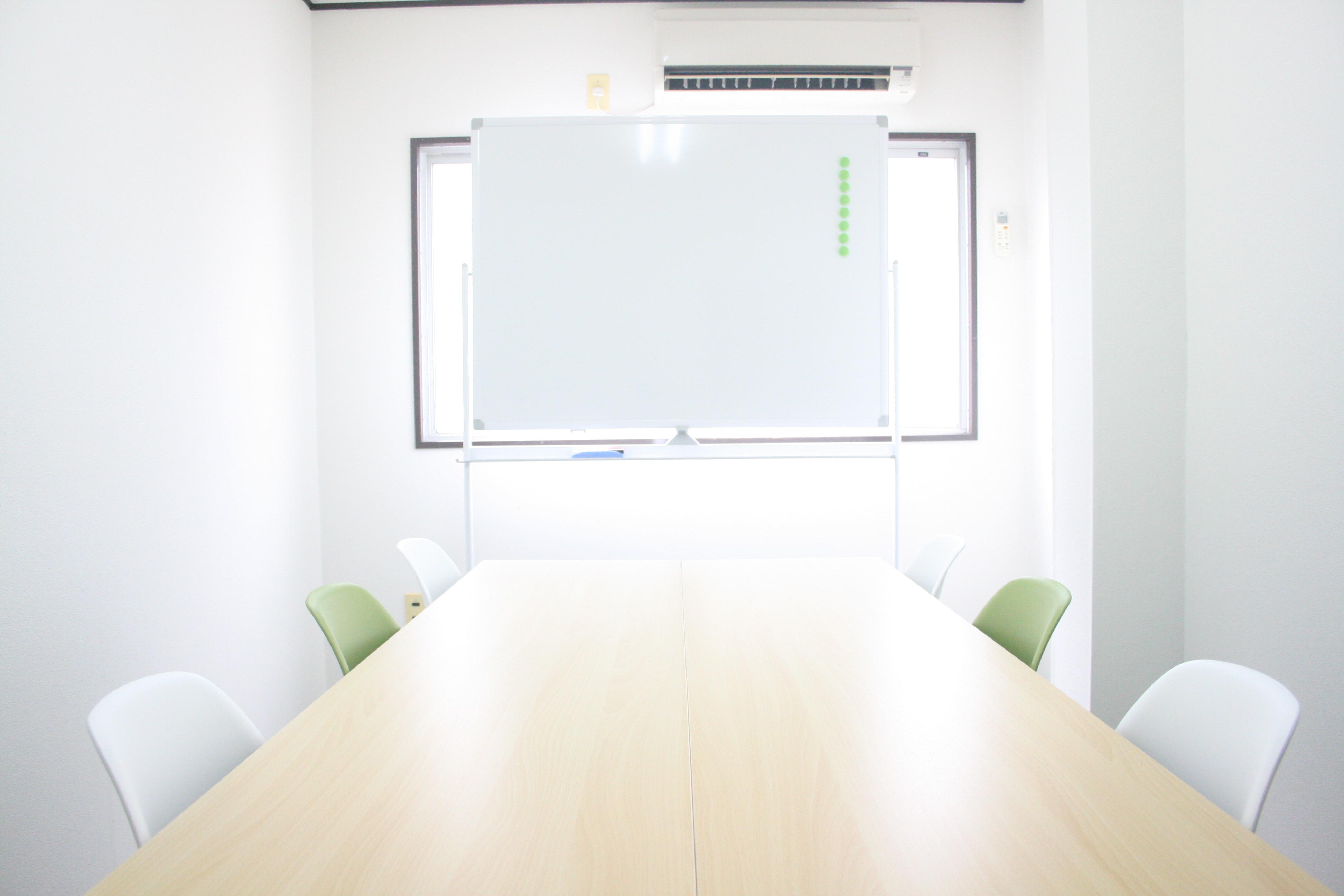お気軽会議室 心斎橋 ◆お気軽会議室心斎橋◆の室内の写真