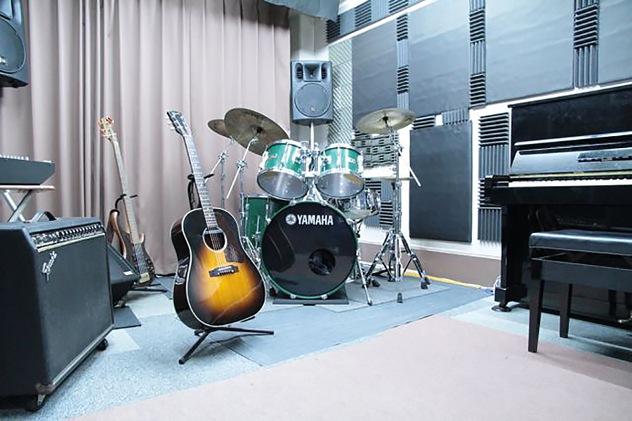ビッグメイドミュージック Cスタジオの室内の写真
