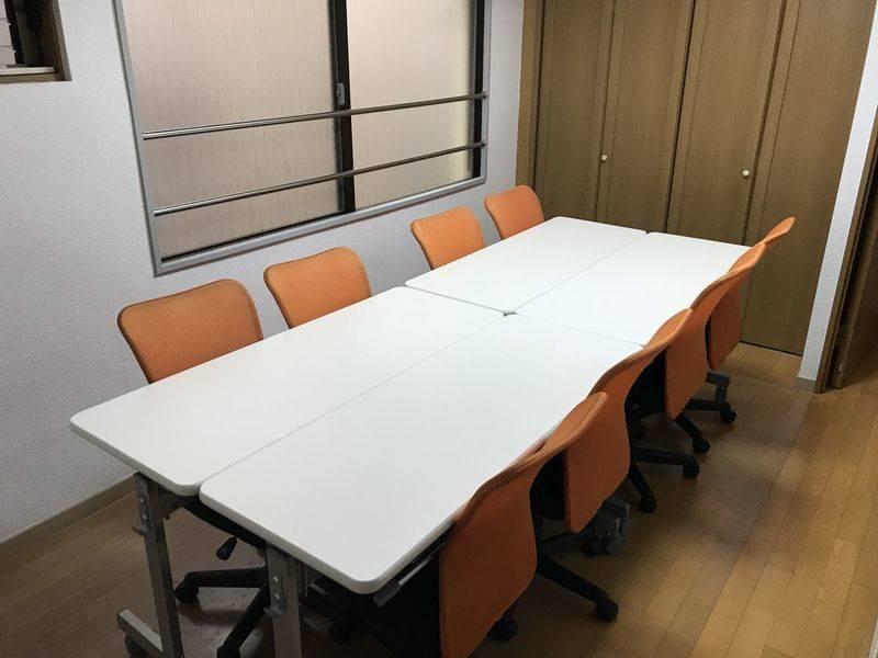 オフィスM2会議室の室内の写真