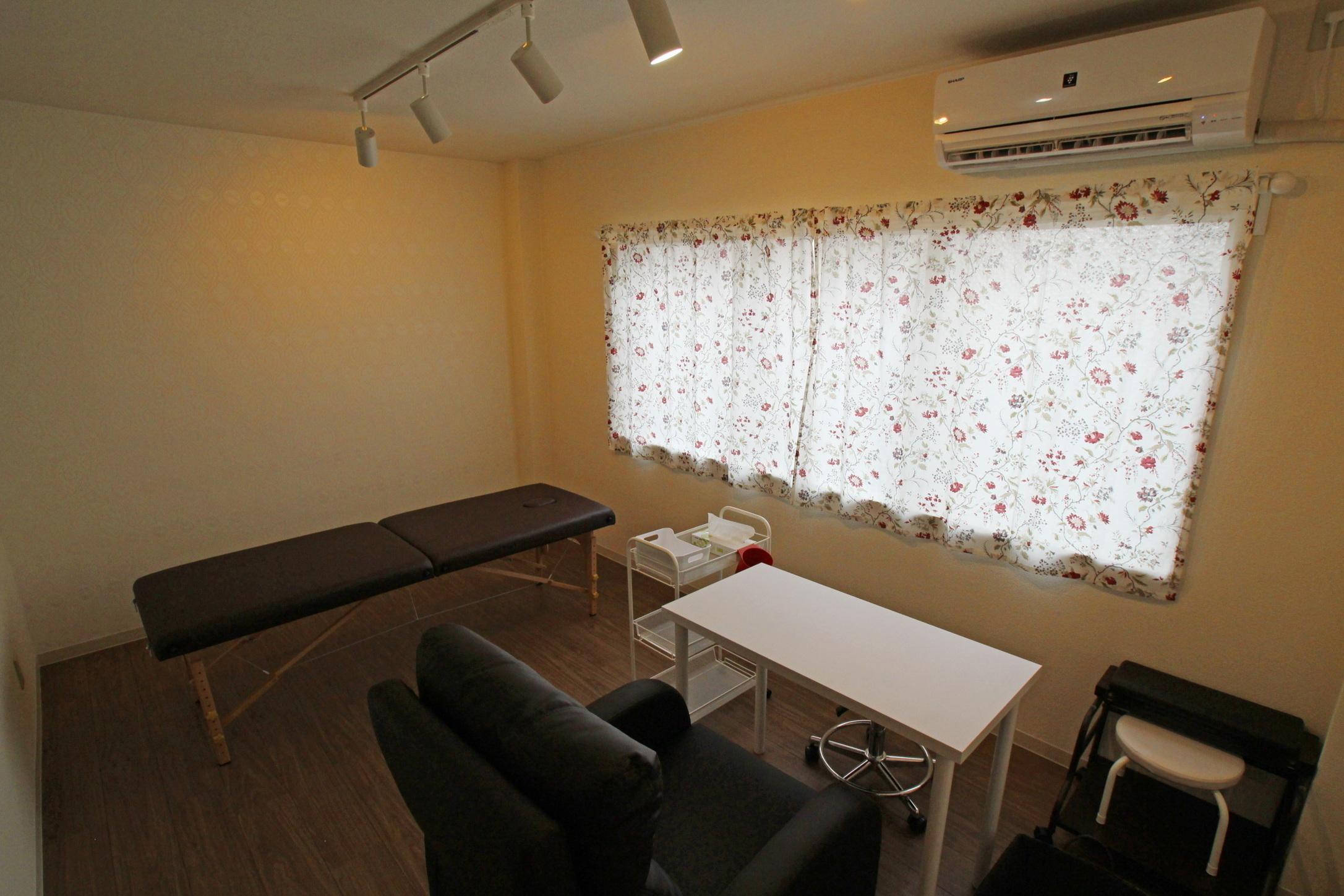 シェアサロン Mon chouchou サロンスペースBの室内の写真