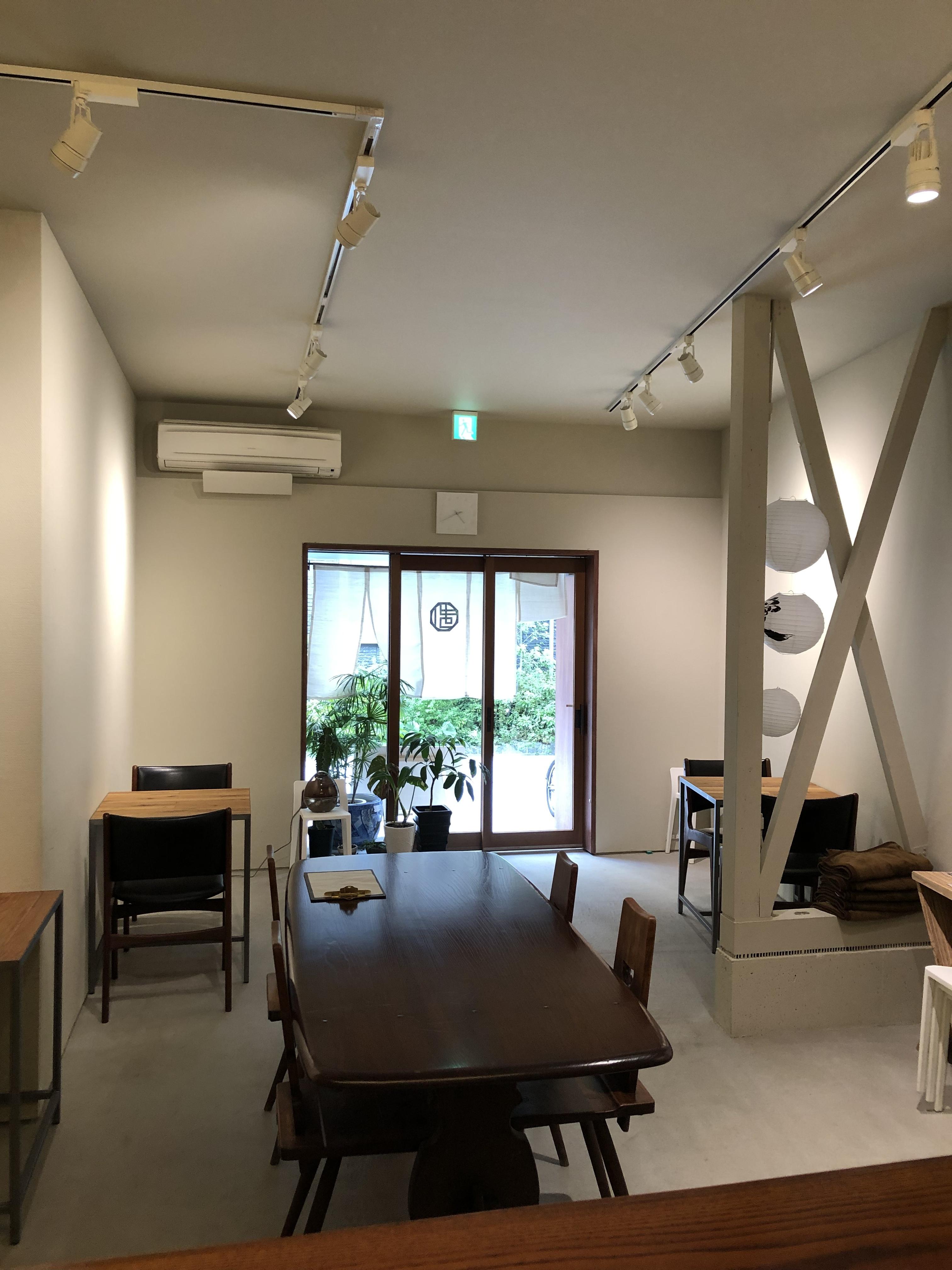 ギャラリー&カフェMATSURI ギャラリー、サロンスペースの室内の写真